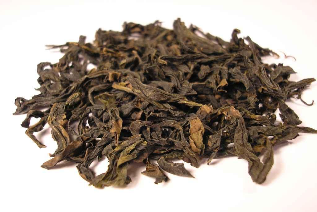 brown tea leaves